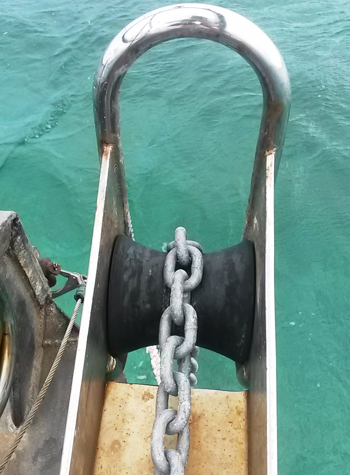 Anchor roller after replacement