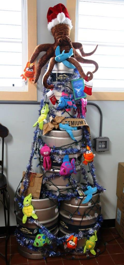 Nothing says x-mas like a keg tree topped with an octopus!