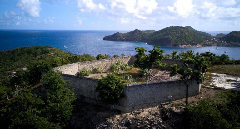 Kimberly next to the massive walls of Fort Josephine