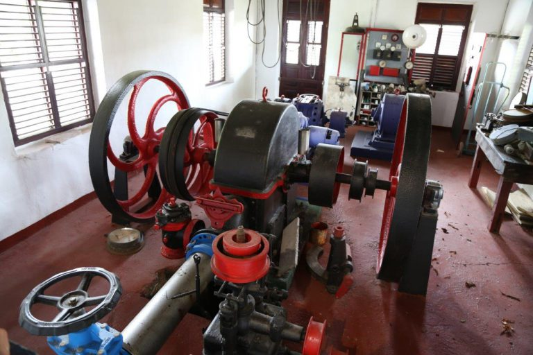 Over a century old, this steam engine is still use to make rhum