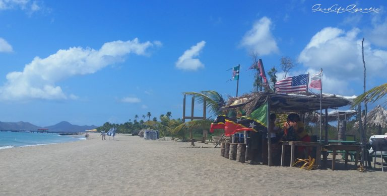 Beach bar in front of Pura Vida