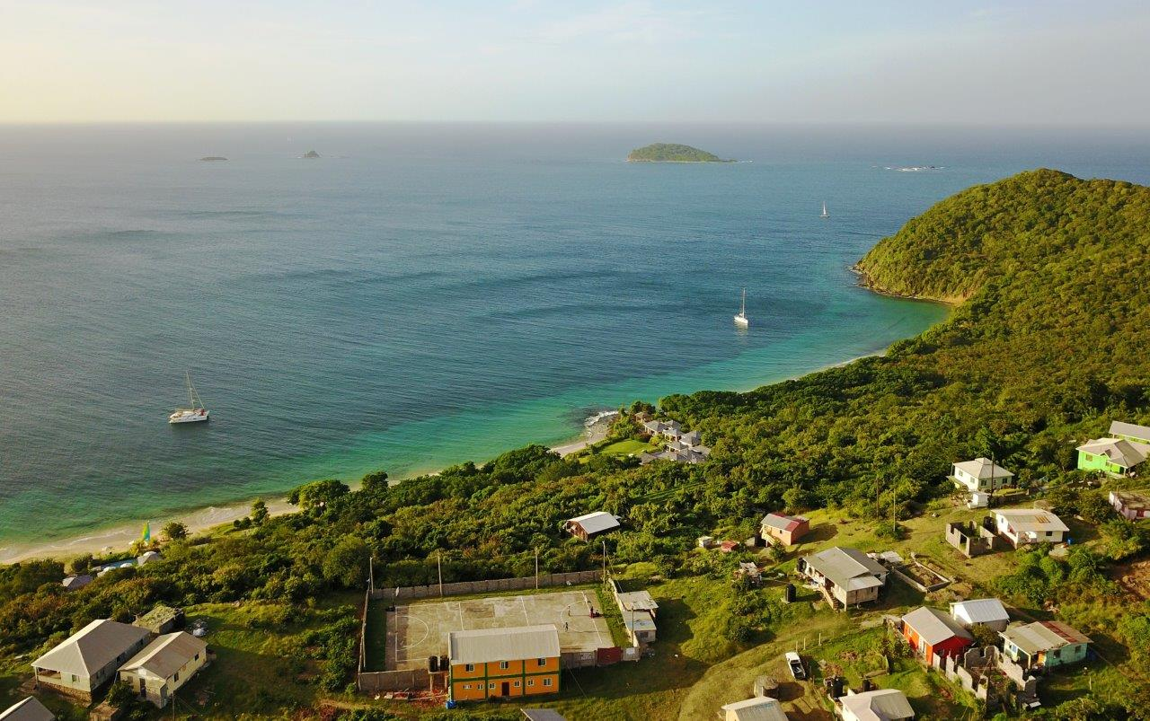 Trois Anse Bay, Mayreau (Photo credit: Erin on Catamaran Flip-Flops)