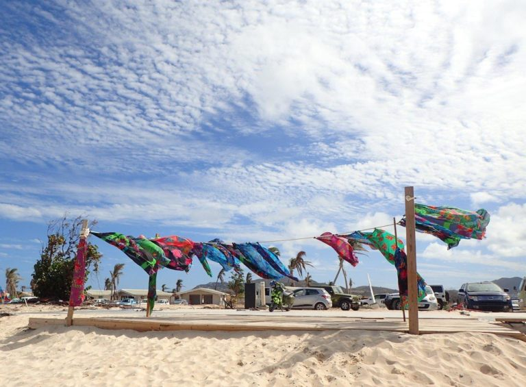 Louie's Sarongs, Orient Beach